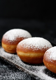 Krapfen-Fluffy-Doughnuts